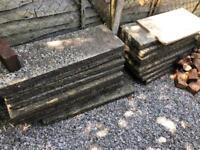 Free hardcore rubble/concreted paving slabs