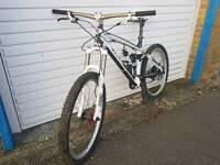 Trek Remedy 9.8 full carbon Mountain Bike