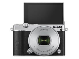 Nikon J5 Camera with 2 spare batteries for sale (2nd Hand) £200 (£369 RRP)