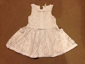 dresses in size 3-4 years