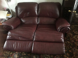 TWO 2 SEATER LEATHER ELECTRIC RECLINING SETTEES