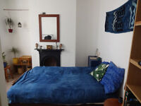 Double room, central Brighton, short-term - Free parking