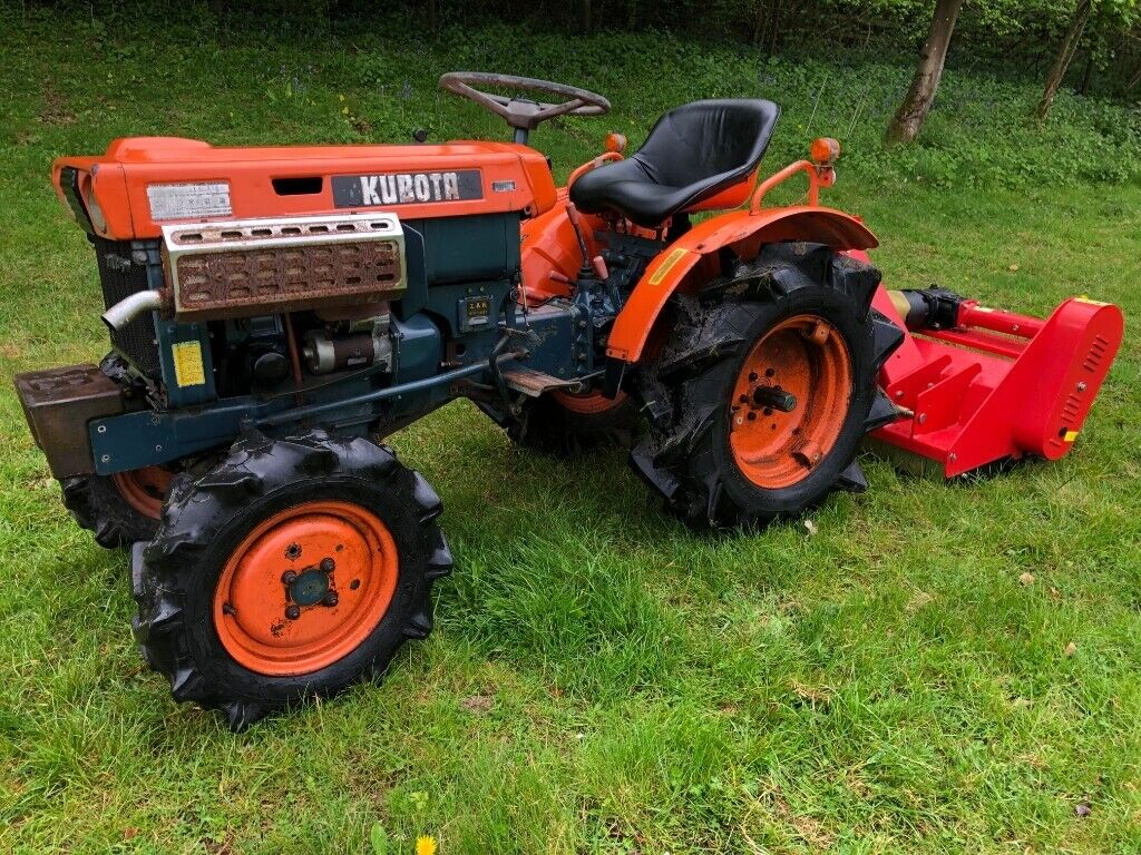KUBOTA B7000 4WD Compact Tractor with 1 meter Flail Mower ***WATCH VIDEO***    in Gloucester, Gloucestershire   Gumtree