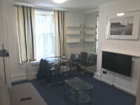 Stunning 1 bed flat in Brick Lane ideal for couples/students available now! only £325pw¬