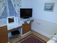 Well Appointed Large Sized Double Room In a Shared House