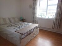 DOUBLE ROOM AVAILABLE IN WOOD GREEN N22 GREAT LOCATION *ALL BILLS INC*