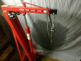 Hydraulic hoist and A frame tow to RENT