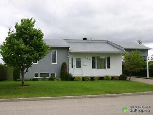 223 000$ - Maison à paliers multiples à vendre à Chicoutimi Saguenay Saguenay-Lac-Saint-Jean image 2