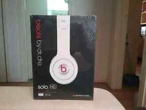 Brand New Beats Audio Solo HD Headphones St Kilda Port Phillip Preview