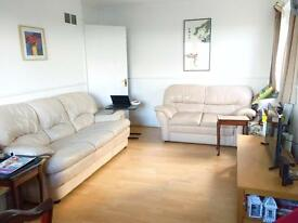 Spacious 2 bedroom flat in Hendon (furnished) - CLOSE TO TRANSPORT