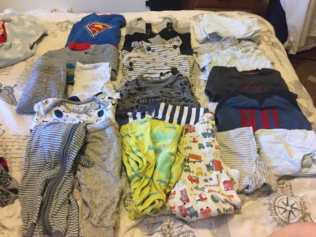 6 9 month baby clotheain Bournemouth, DorsetGumtree - 6 pj sets, 2 cardigans, 1jeans, 9 vests, 3 long sleeve tshirts, 5 baby grows, 3 track suits, 5 dungarees, 3 shirts, 4 joggers, 4 jumpers, 1 romper £20