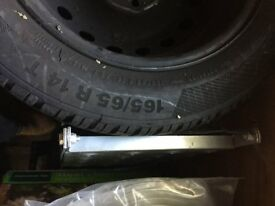 4 tyres Conti Winter Contact + 1 Tyre Goodyear Ultragrip incl.rims - good condition