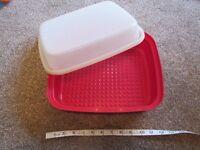Vintage Tupperware Bread bin - ex condition