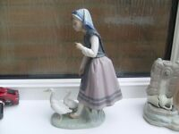1 x Lladro figurine 3 x Nao figurines