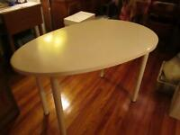 Table blanche ovale 4 pieds