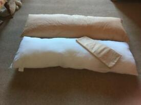 Long bolster pillow