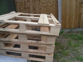 5x Lightweight Plywood Pallets Great for making crates and other projects