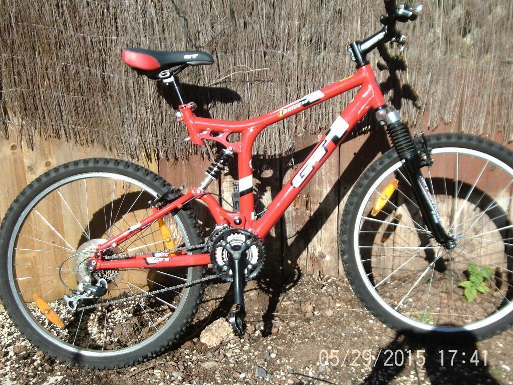 Avenir Lock On Ring File Lock MTB Bike Handlebar Grips 135mm 22.2mm Black NEW