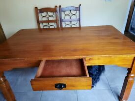 dinning room table and 4 chair