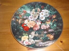 ROYAL DOULTON PLATE, CLASSIC FLORALS, CERTIFICATE AND BOX