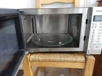 Panasonic 900W Microwave Oven only used a handful of times