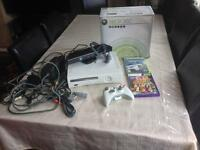 XBOX 360 CONSOLE 60GB WITH 2XGAMES 1XWIRELESS CONTROLLER 1XKINECT