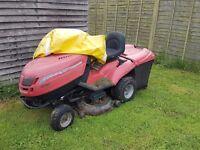 Ride on lawn mower mountfield