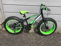 Kids mountain bike with oversize tyres