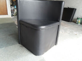 BLACK TRIANGULAR SEAT / with storage under seat