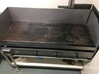 Large free standing smooth griddle LPG