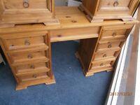 Pine 8 Drawer Dressing Table/Desk.