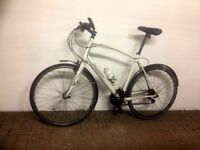 Specialized Sirrus Hybrid 21' Bike for commuters - EXCELLENT condition + add-ons