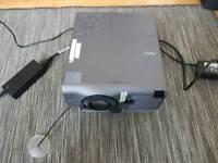 Projector NEC vt540