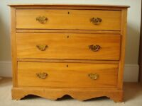 *** Beautiful Antique Victorian Chest Of Drawers in Solid Pine Wood ***