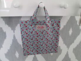 LOVELY GIRLS CATH KIDS LONDON MINI SHOPPER - VGC