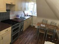 2 Bedroom 2nd floor flat to let part Dss Welcome Rent £1150. Separate Reception.