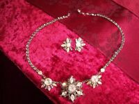 VINTAGE RHINESTONE NECKLACE AND EARRINGS