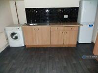 1 bedroom flat in Albert Road, Levenshulme Manchester, M19 (1 bed) (#944641)