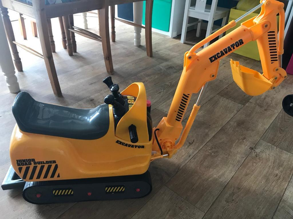 junior road builder excavator toy ride on digger great condition