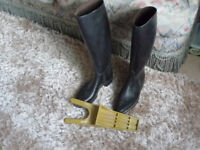 Ladies Riding Boots and Remover Tool