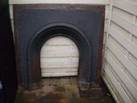 """Original Cast Iron Fire Insert - Fully Functioning Condition! 18"""" Opening"""