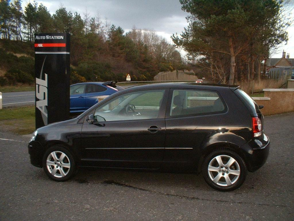 volkswagen polo 1 6 sport 105 black 2008 in elgin moray gumtree. Black Bedroom Furniture Sets. Home Design Ideas
