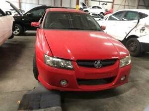 818 - Holden commodore s 2004