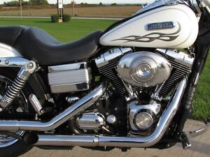2006 harley-davidson FXDWG Dyna Wide Glide   6 Speed and Fuel In London Ontario image 14