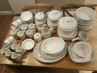Royal Doulton Fresh Flowers dinner service - 106 pcs