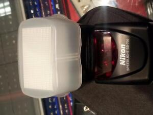 Nikon SB-700 Speed light. We sell used camera and speedlights from sony, nikon and many other brands. (#29960 )