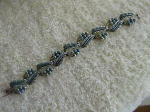 CHARMING OLD 7 1/2-IN.COSTUME BRACELET from the 1950s!...