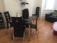 BED ROOMS, ALL BILLS INCLUDED, High Standard, close to amenaties, public transport, City ,Uni, Ect