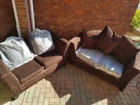 2x sofa for free