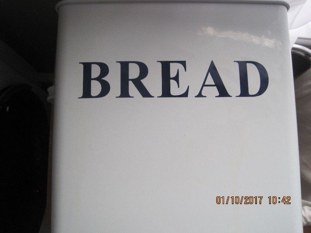 Bread bin and pasta accessories